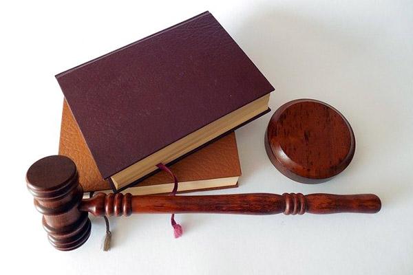 Против факсимиле не только Минфин, но и Верховный суд